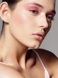 五分钟快捷的化妆方法 让你瞬间变漂亮