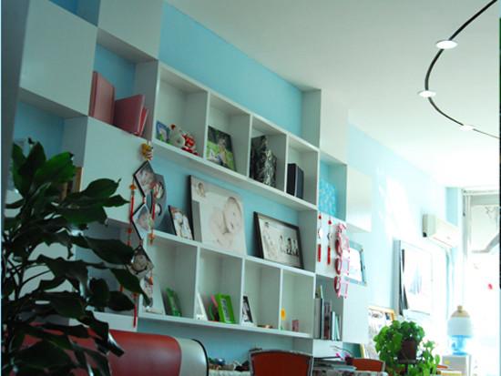儿童影楼装修 风格各异的精品相框摆设墙多图欣赏