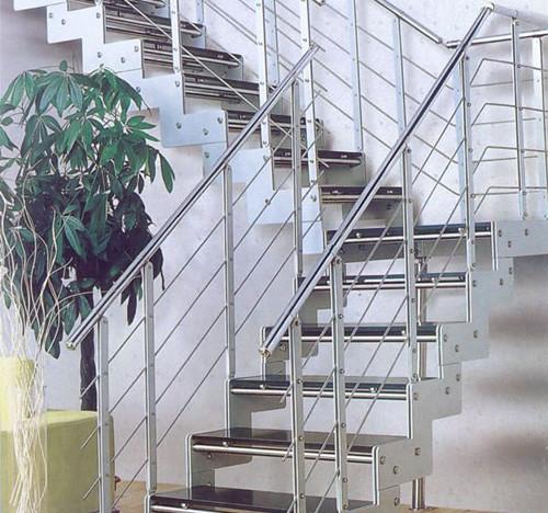 多層兒童影樓樓梯處空間利用 多款式裝修效果圖