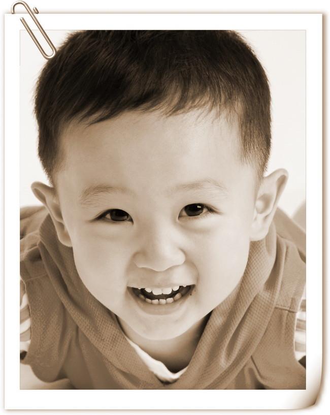 三岁男孩儿童摄影