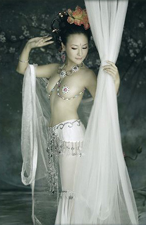 唐朝婚纱铅笔画
