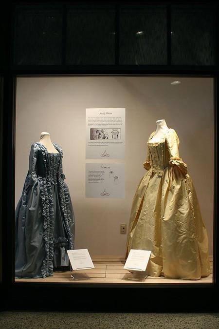 橱窗设计--盛宴宫廷舞会礼服(2)_装修·橱窗·设计