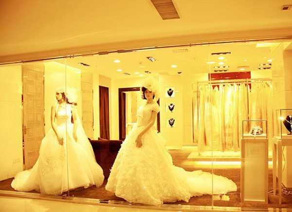 巴黎婚纱皇冠店效果图(3)_装修·橱窗·设计_影楼管理