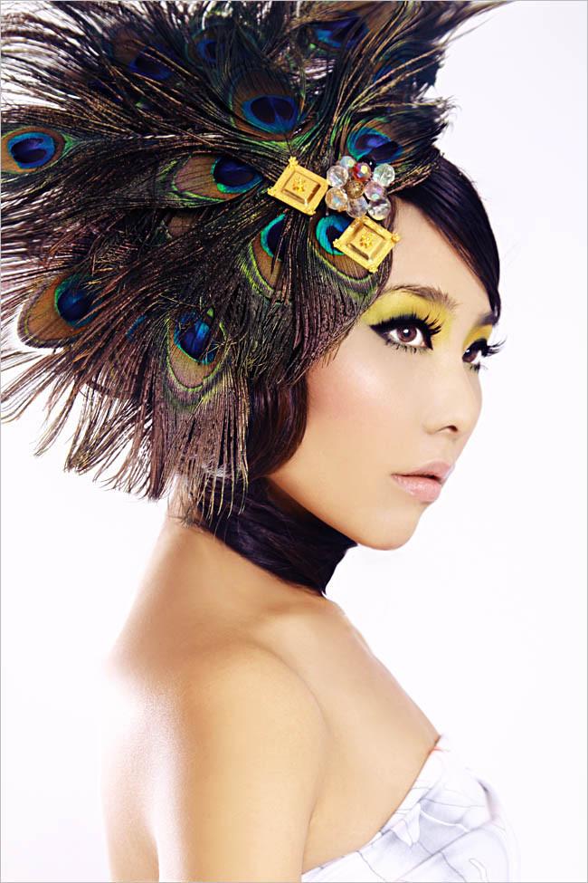 孔雀遐想化妆造型