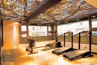 天花板的作用不仅仅是把店铺的梁