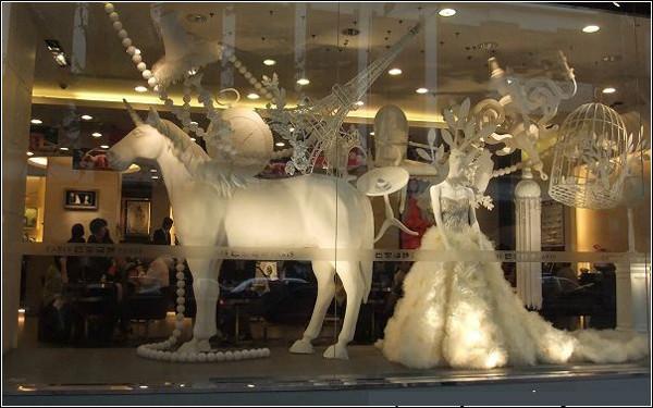 上海婚纱影楼橱窗设计之时尚元素
