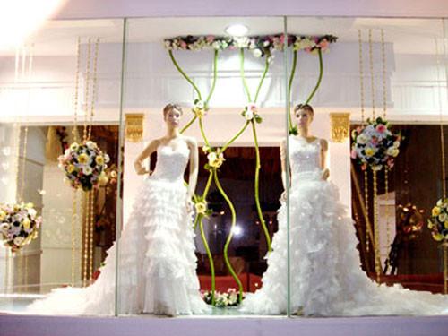 婚礼手绘图白纱