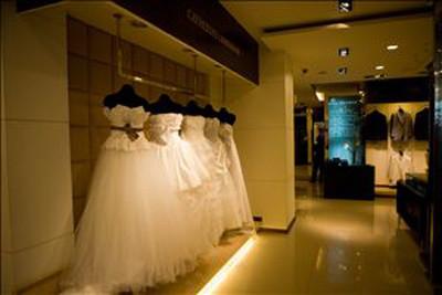 婚纱店装修效果图 小型婚纱店装修 婚纱店门头效果图