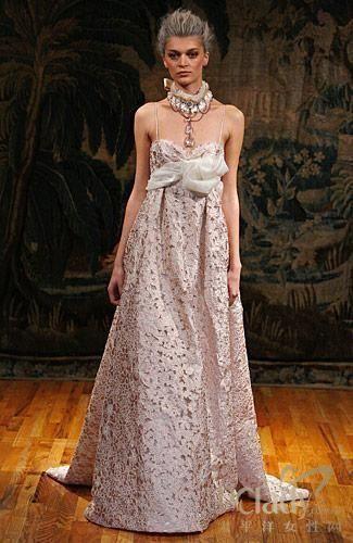 fillmore粉红色玫瑰花纹镂空蕾丝婚纱