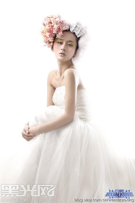清新唯美 新娘鲜花造型图片