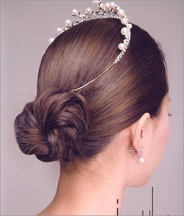 新款韩式新娘发型含蓄优雅