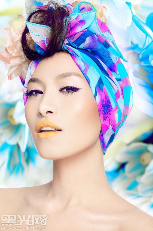 丝巾与花的个性造型