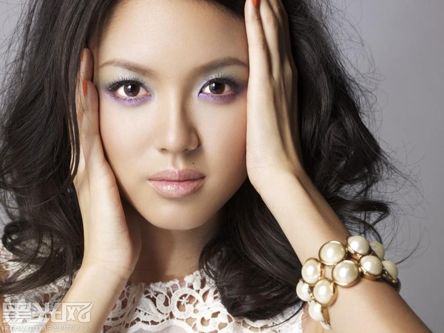 中国风世界情化妆造型图片