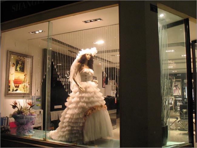 苏州婚纱店装修设计 国际婚纱艺术摄影店铺橱窗设计点评