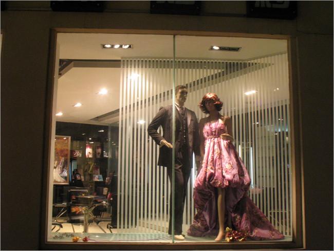 国际婚纱艺术摄影店铺橱窗设计点评(4)