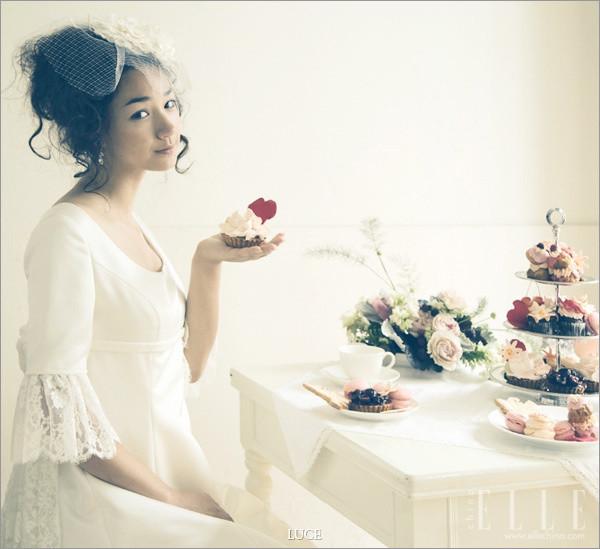 """亚洲人就该有适合自己的新娘风格,当然除开脸型身材种种区别欧美范,同样是可爱风,韩版的新娘就别有一番风味了。Luce classica带来的6组照片是不是很有""""韩剧""""的味道?甜美娇小的可爱新娘,这样的风格演绎可以成为不少婚纱摄影的借鉴。"""