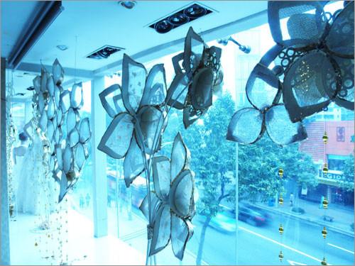 将时尚进行到底 婚纱摄影店装修设计 影楼装修 橱窗设计
