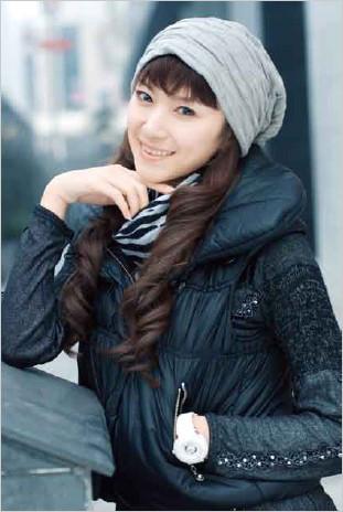 冷色调与暖色调对比下的美女人像摄影