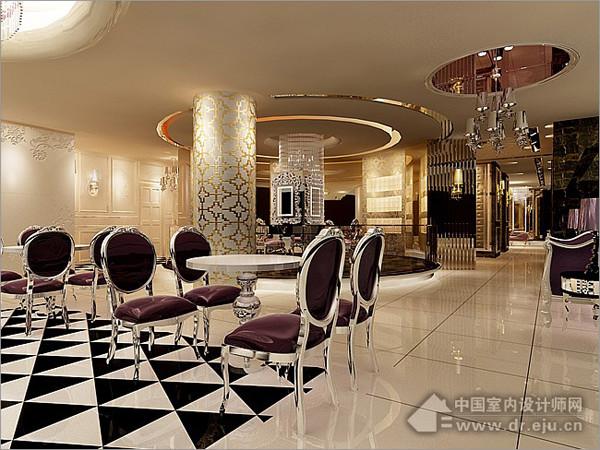 华丽花纹的柱子跟隔断柜体设计,风格繁华而又整体统一.