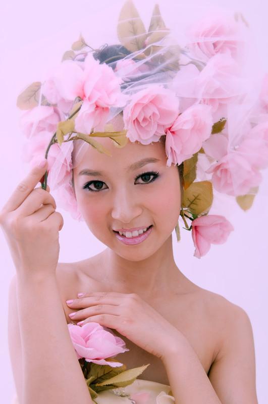 红色妆面造型创意 创意妆面整体造型 创意造型妆面设计图