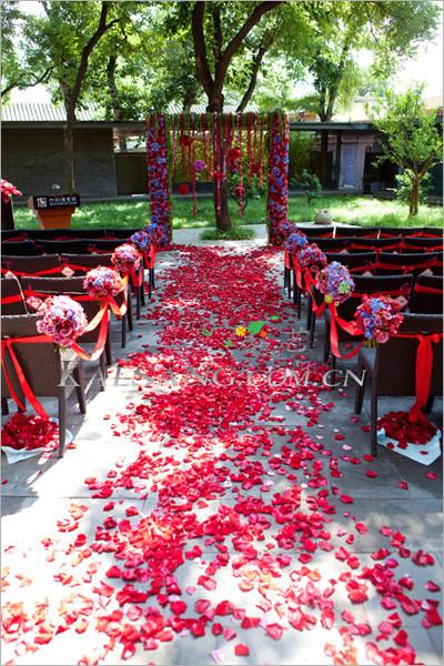 优雅户外主题婚礼 什刹海会馆的缤纷色爱情