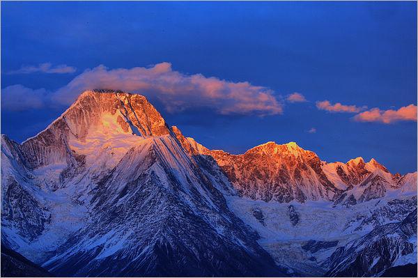 雪山风景高清大图