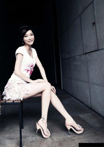 人像街拍,美女模特摆姿的九种经典pose
