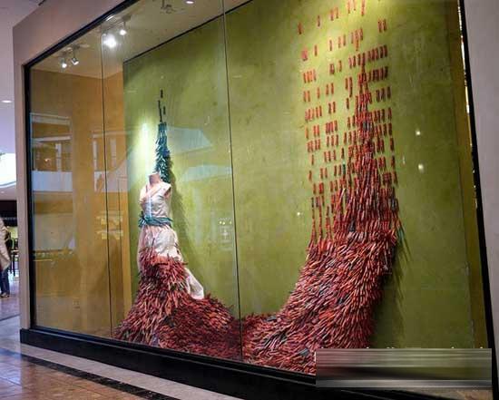 独特造型动感创意的橱窗设计欣赏--勾住顾客眼魂