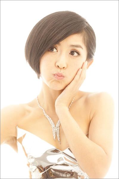 谢娜俏皮甜美短发新娘造型(3)