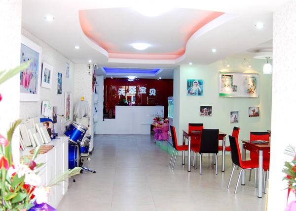 儿童影楼装修设计,醒目中的柔和色彩_装修·橱窗