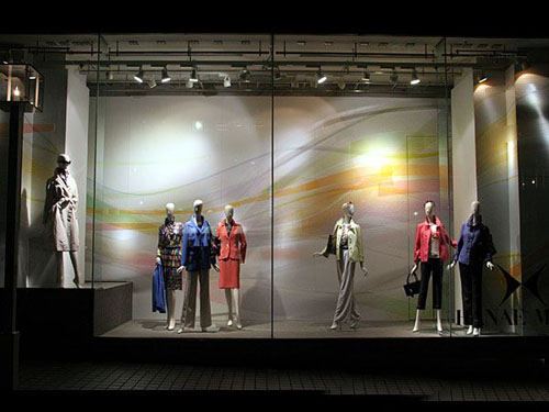 时尚经典橱窗设计,看服装与背景的巧妙融合