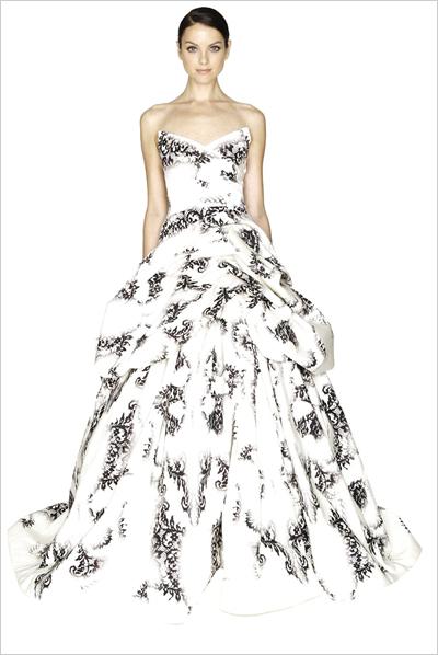 zuhair murad:旱地泳装风吹进婚纱秀场,如果你计划举办一场海滩婚礼图片