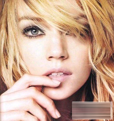 新娘化妆小技巧:小眼,单眼皮新娘妆画法(2)