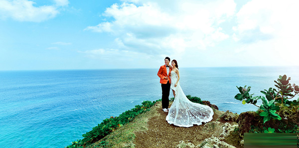 绮丽之岛的天堂之旅:巴厘岛旅游婚纱摄影
