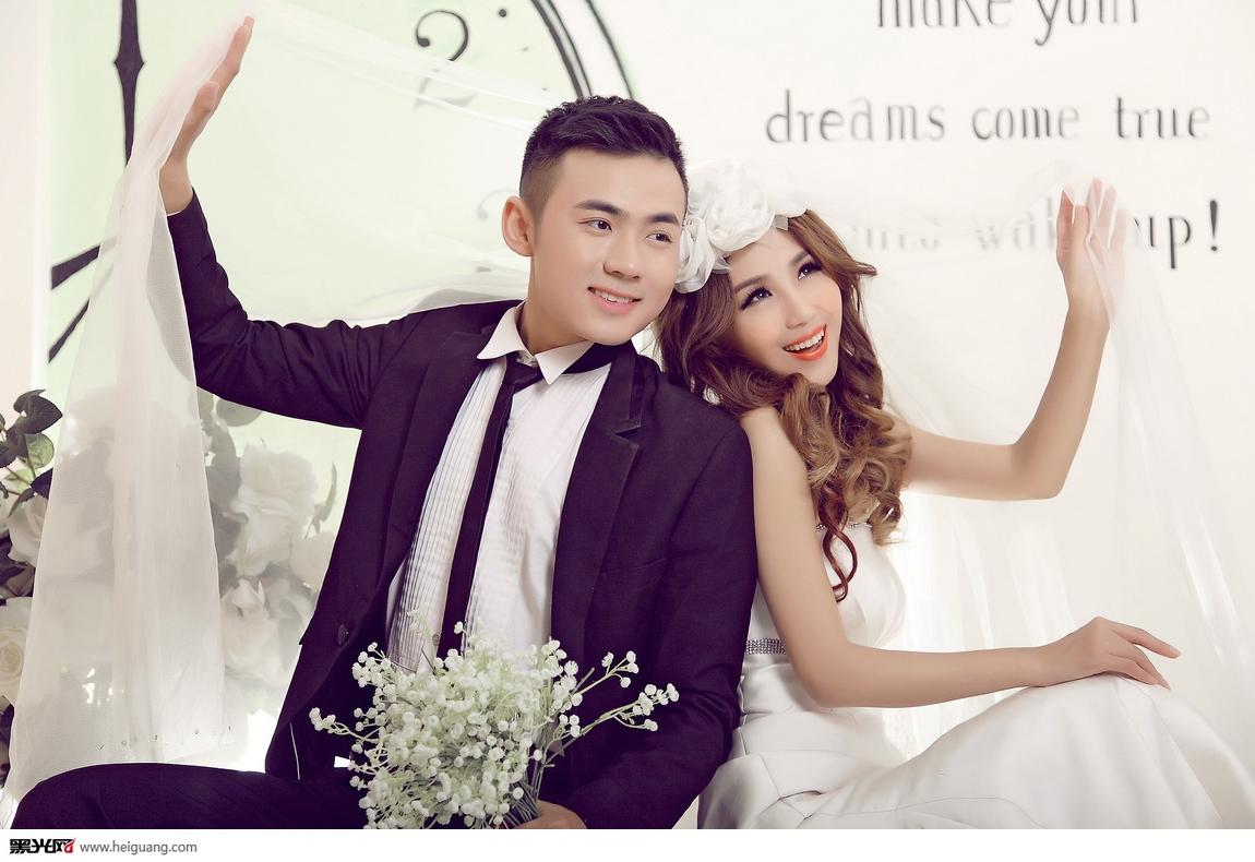女人爱情婚纱摄影