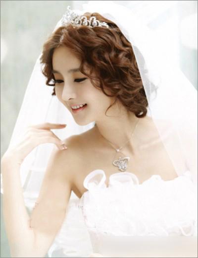 韩式新娘造型 洁白婚纱纯美发型