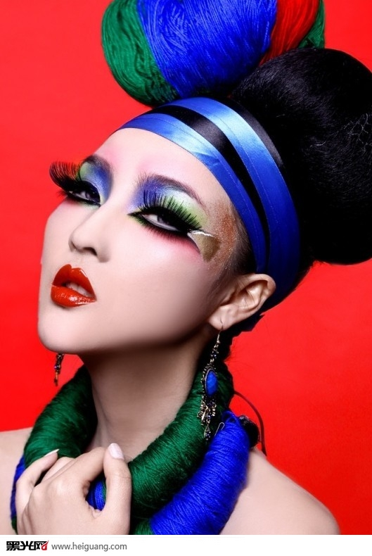 中国风.凤冠化妆造型图片