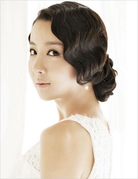 2013韩式俏皮短发新娘造型