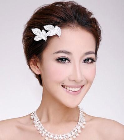 俏皮可爱短发新娘造型(3)