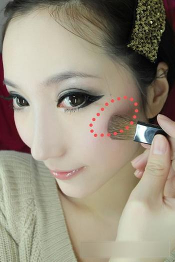 韩式甜美烟熏妆的画法 灰色眼影下的完美眼妆