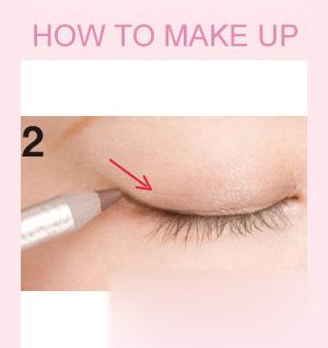 单眼皮淡妆技巧 睫毛眼线都是重点(2)
