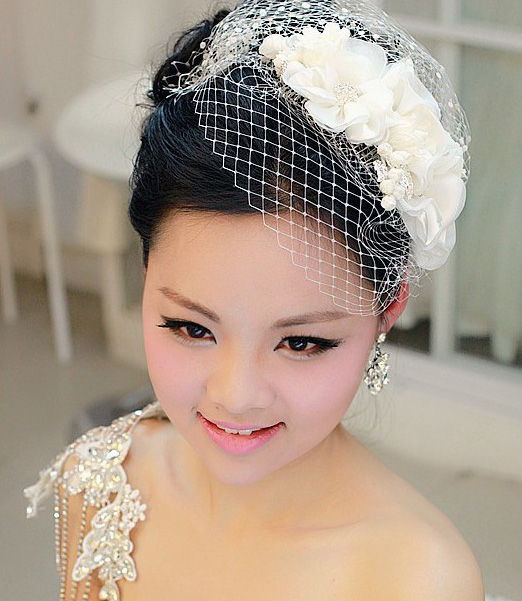 时尚优雅新娘盘发造型