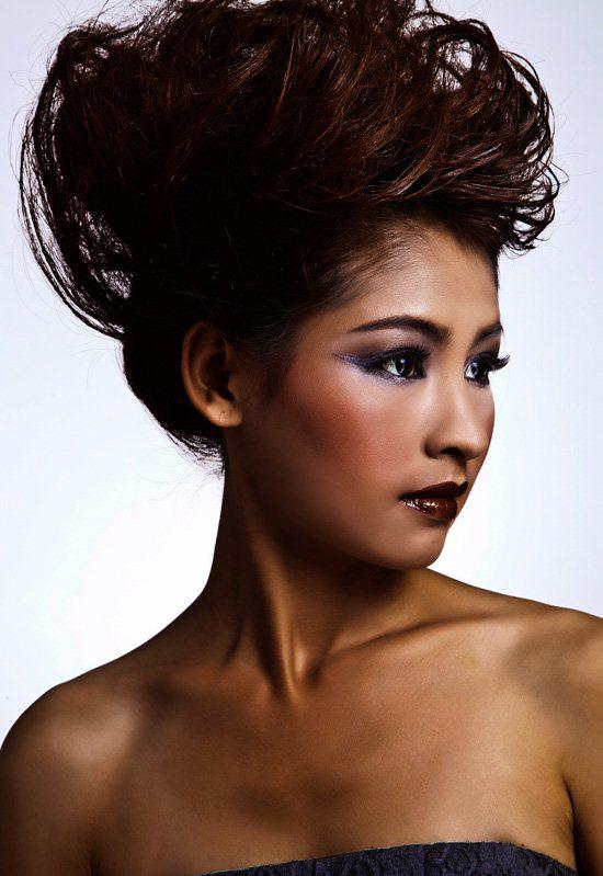 最新新娘化妆造型 时尚创意晚装化妆作品图片