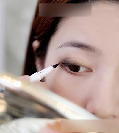 简单瘦脸妆步骤图解 打造气质女人