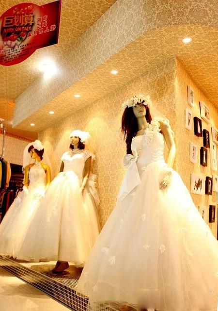 奉新維納斯婚紗攝影:舒適柔軟的歐式裝修設計