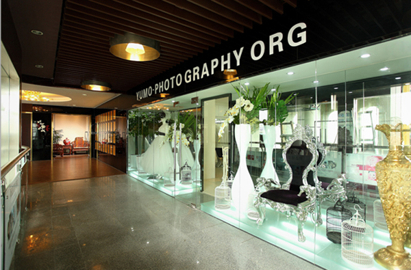 厦门雨墨摄影:古典神韵的时尚店面装修设计(12)