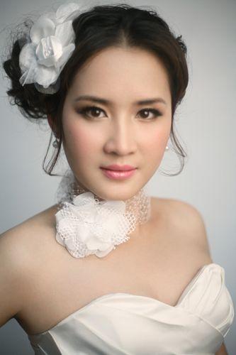 韩式自然妆容打造唯美新娘图片
