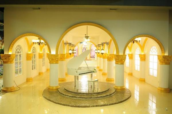 橙摄影婚纱影楼,个性时尚的店面装修设计