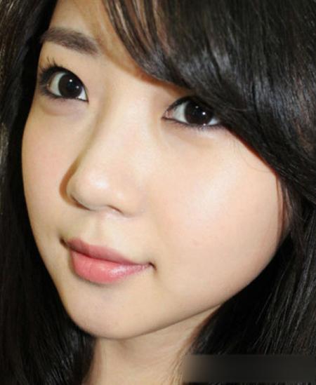 简单韩式化妆步骤 打造最新烟熏眼妆