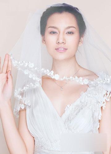 """新娘头纱造型 让你""""玩""""美起来图片"""
